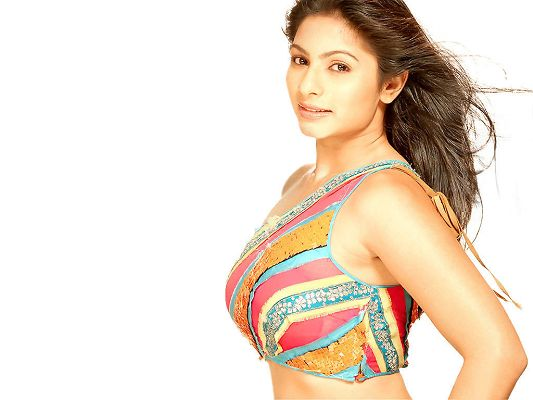 click to free download the wallpaper--Bollywood Actress Tanisha HD Post in Pixel of 1624x768, Dancing Hair and Simple Dress, She Shall Strike Quite an Impression - TV & Movies Post