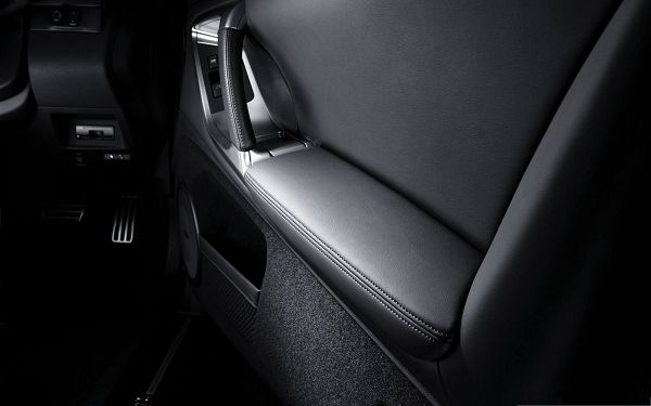 Car Interior Wallpaper, Black and Decent, Kept in Low Profile, Must be a Super Car