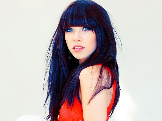 click to free download the wallpaper--Carly Rae Jepsen Photos, Long Hair and Blue Eyes, Red Dress Fits Her the Best