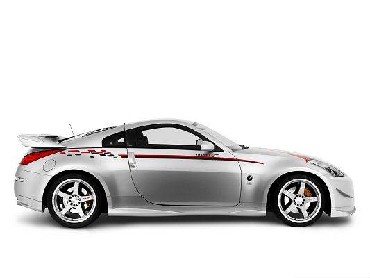 click to free download the wallpaper--Cars Picture as Background, Silver Nissan Car in the Stop, Nice and Decent Look