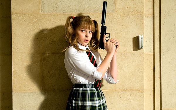 click to free download the wallpaper--Chloe Moretz Post as Hit Girl in 2560x1600 Pixel, Little Girl with a Long Gun, Must be a Good Shooter, Stay Away from Her - TV & Movies Post
