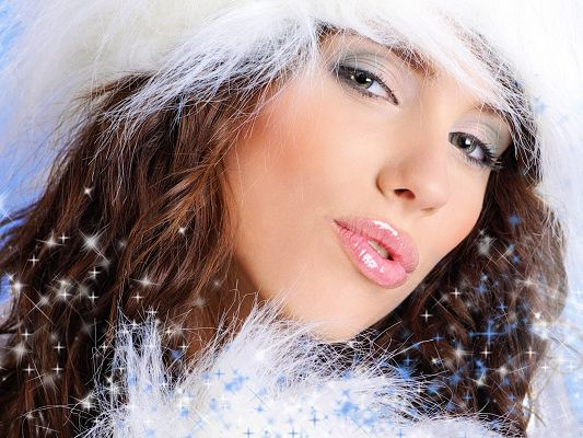 click to free download the wallpaper--Christmas Santa Girl, Pink Shinning Lips and Impressive Eyes, Blowing a Kiss