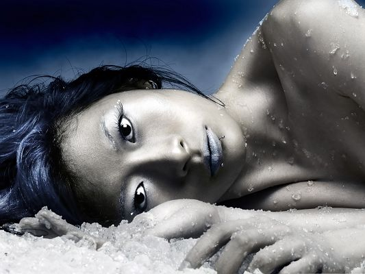 Cold Beauty Wallpaper, Naked Girl Lying on Ice, Purple Lips, Can You Believe Her?