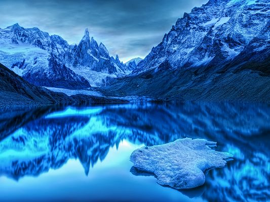 click to free download the wallpaper--Cold Landscape Image, Icy and Blue Mountains, the Blue Sea