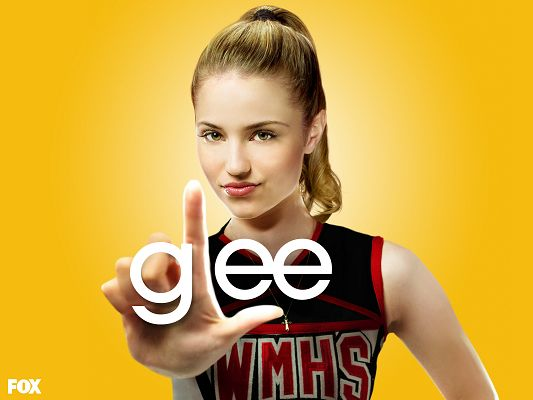 click to free download the wallpaper--Dianna Agron Post in Glee in 1600x1200 Pixel, Come and Say Hello to the Beautiful and Creative Young Lady, She Deserves This - TV & Movies Post