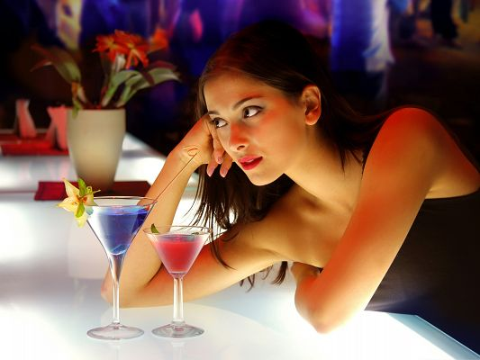 click to free download the wallpaper--Drunk Girl Picture, Beautiful Girl in Front of Cocktail, About to Get Drunk