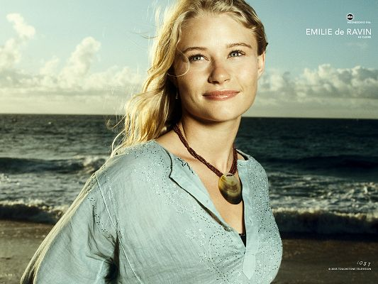 click to free download the wallpaper--Emilie de Ravin Post as Claire in Lost in 1600x1200 Pixel, Loose Hair, Walking by the Seaside in Smile, She is Such an Attraction - TV & Movies Post