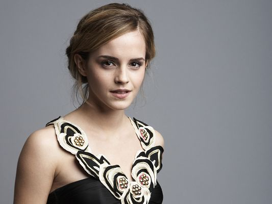 Emma Watson Gorgeous HD Post in 1920x1440 Pixel, Girl Turned into a Graceful Lady, She is Now Appealing and Attractive - TV & Movies Post