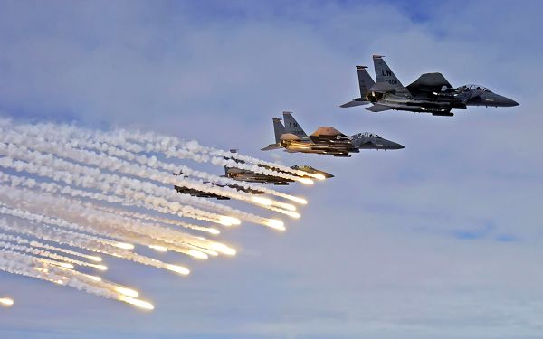 F 15E Strike Eagles Launch Post in Pixel of 1920x1200, All Aeroplanes in Long and Bright Tails, Looking Good in the Sky - TV & Movies Post