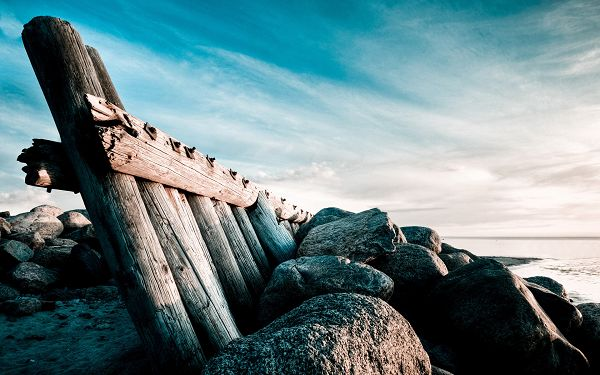 Fences and Stones All Over Seaside, How Wonderful and Enjoyable Things Are, in High Resolution - Sea Scenery Wallpaper