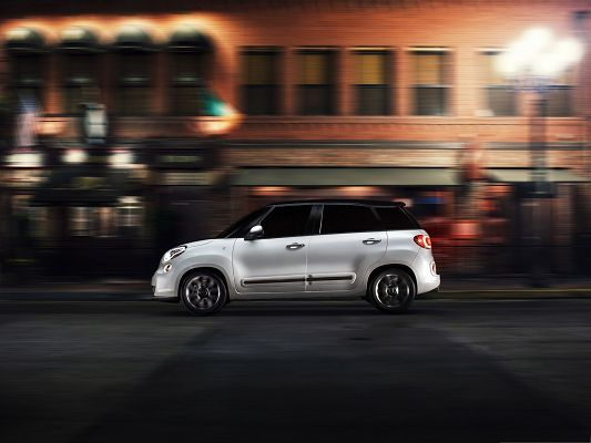 click to free download the wallpaper--Fiat 500L Car 2014, White Super Car in the Run, Decent Look
