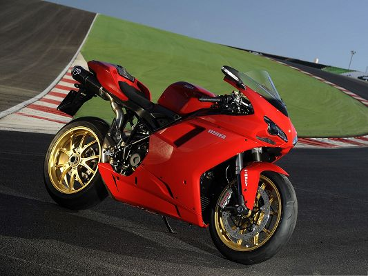 click to free download the wallpaper--Free Car Wallpapers, Ducati 1098 Superbike Next to Green Ground, Super Look