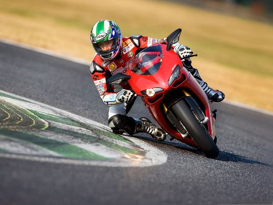 Free Car Wallpapers, Ducati 1198 Superbike in Race, Great Driver