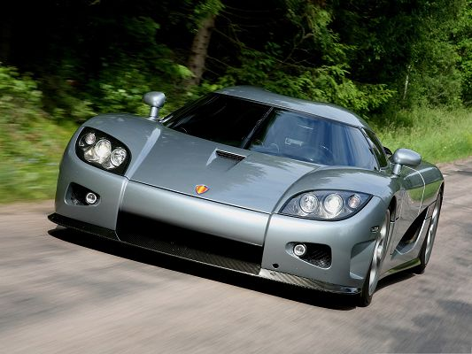 click to free download the wallpaper--Free Car Wallpapers, Koenigsegg CCX's Front Angle Closeup