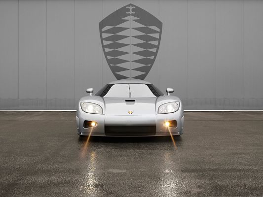 click to free download the wallpaper--Free Car Wallpapers, Koenigsegg CCX with Its Day Light Turned on