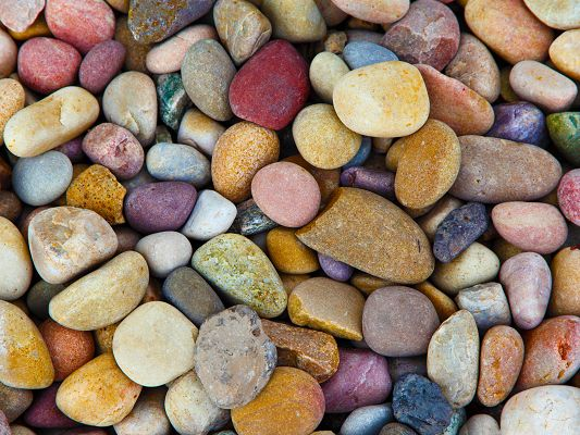 click to free download the wallpaper--Free Computer Background, Colorful Pebbles, Beautiful Scenery by the Beach
