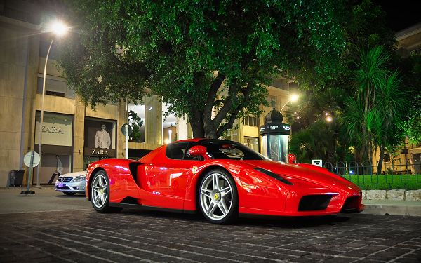 Free Download Cars Wallpaper of Ferrari Enzo, Wherever It is, in Whatever Situation, It Shall Look Good and Attractive