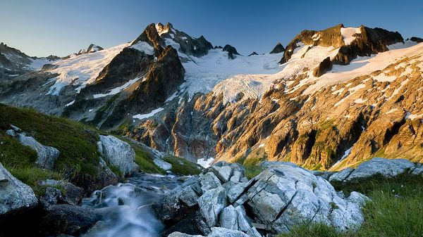 Free Download Natural Scenery Picture - Snow-Covered Hill Tops, Bright Sunshine, Waterfall Flowing, a Great Scene