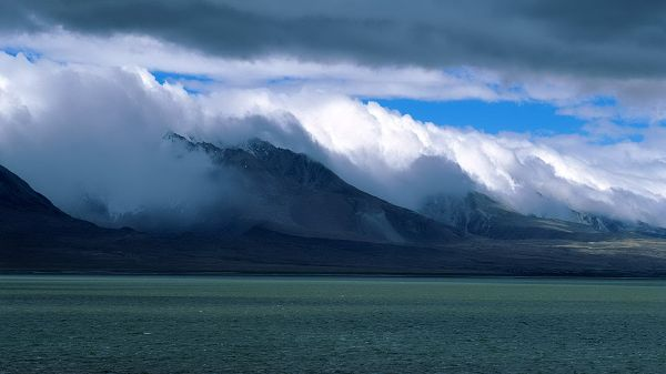 Free Download Natural Scenery Picture - The Blue and Peaceful Sea, White Clouds All Over the Mountains, Impressive Scene