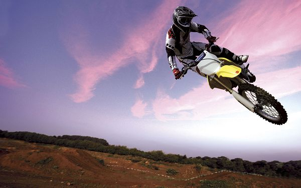 click to free download the wallpaper--Free Download Natural Scenery Wallpaper - Motocross Bike in Sky Post, No Immitation of Him