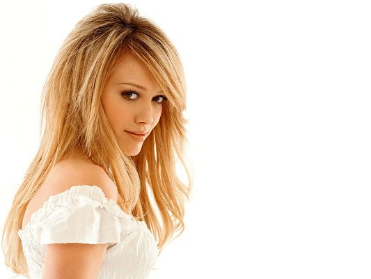 Free Download TV & Movies Post of Hilary Duff, the White Dress Makes Her Bride-Like, Impressive Beauty