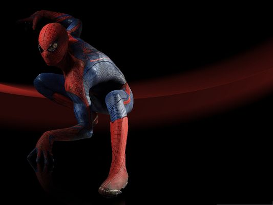 click to free download the wallpaper--Free Film Poster, the Amazing Spider Man, Getting Ready to Jump