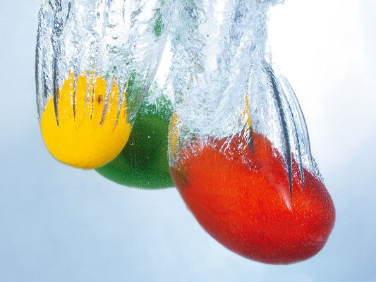 click to free download the wallpaper--Free Fruits Wallpaper, Various Fruits Splashing Into Water, Fresh and Clean
