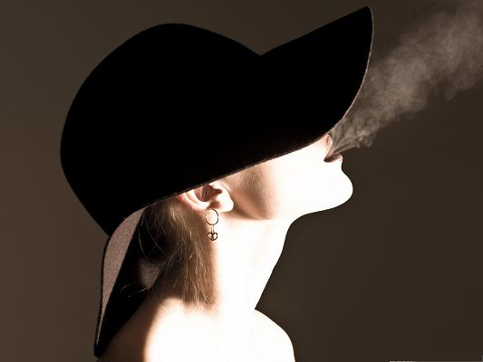 click to free download the wallpaper--Free Girls Wallpaper, Smoking Woman in Black Hat, Face Covered