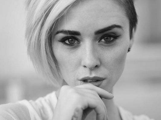 click to free download the wallpaper--Free Photos of TV & Movies, Alysha Nett in Black and White Style, Has a Finger Close to Mouth, Appealing Pose