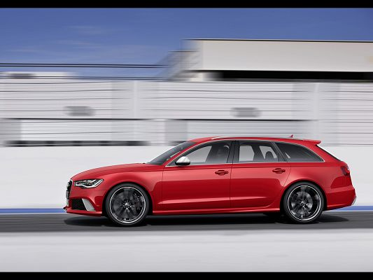 Free Super Car Photos, Audi RS6 in Avant Side Motion, Incredible Speed, Scenes Are Running Behind