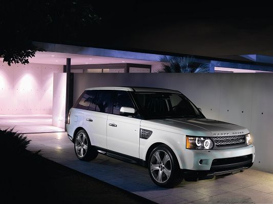 click to free download the wallpaper--Free Super Car Pictures, Range Rover Car Surrounded by Pink Lights, Great in Look