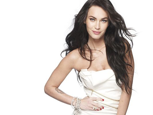 click to free download the wallpaper--Free TV & Movies Picture - Megan Fox Post in Pixel of 2560x1920, Girl in Curly Black Hair and White Dress, She is Sweet Princess