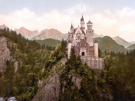 click to free download the wallpaper--Free Wallpaper Backgrounds, Neuschwanstein Castle, Tall in the Sky