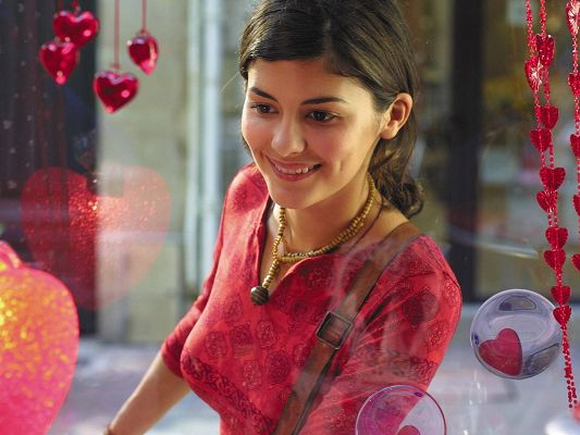 Free Scenery Wallpaper - Audrey Tautou the Irresistable!,click to download