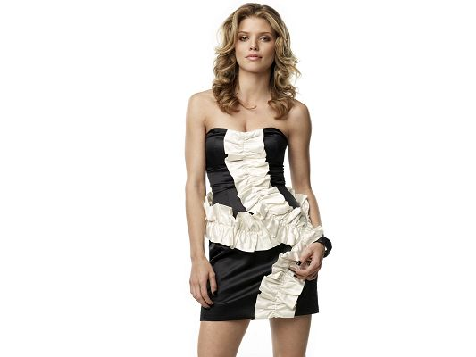 Free Scenery Wallpaper - Includes AnnaLynne Mccord, the Up Rising Star in Hollywood!,click to download