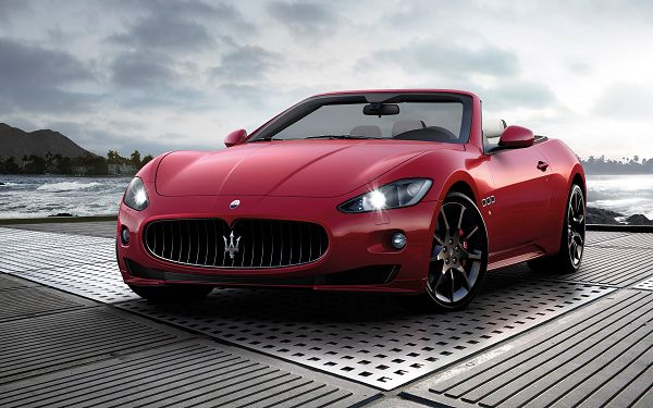 Free Scenery Wallpaper - Includes Maserati GranCabrio Sport, the Dreamy Car!