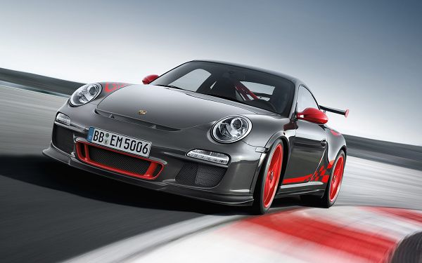 Free Scenery Wallpaper - Porsche 911 GT3 RS At Its Full Speed!,click to download