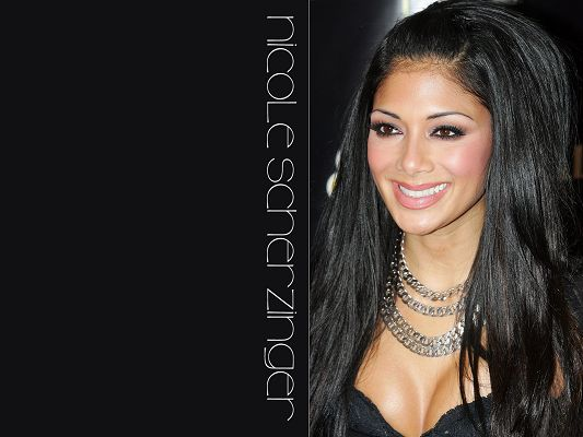 Free Wallpaper - Includes Nicole Scherzinger, What a Glamorous Woman!,click to download