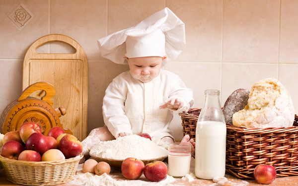 Free Wallpaper - Includes a Cute Chef, Seems Like Santa Clous!