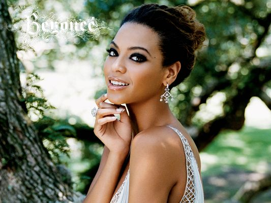 Free Wallpaper of the Godness - Beyonce
