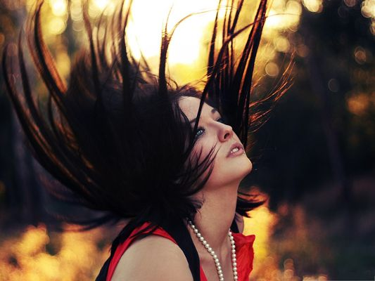 click to free download the wallpaper--Girl Bokeh Pics, Beautiful Girl at Sunset, Dancing Hair
