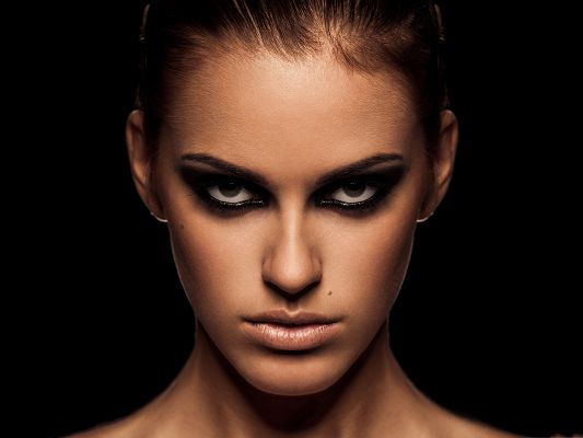 click to free download the wallpaper--Girl Portrait Image, Black Impressive Eyes, Healthy Skin