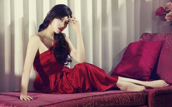 click to free download the wallpaper--Girl in Red Dress and Lying on Red Blanket, She is Decent and Graceful, Shall be the Center of Focus - HD Artists Wallpaper