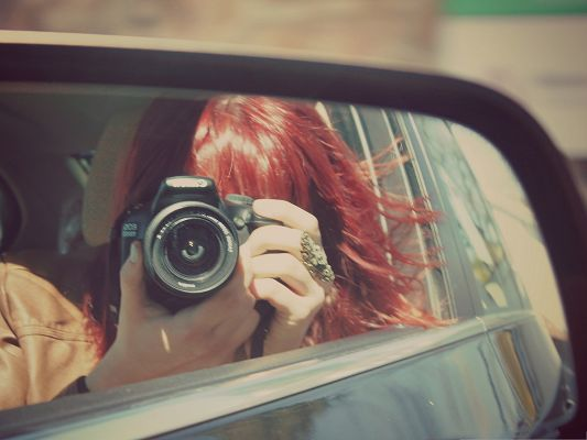 click to free download the wallpaper--Glamorous Girls Picture, Mirror Girl in Rear View, Red Hair