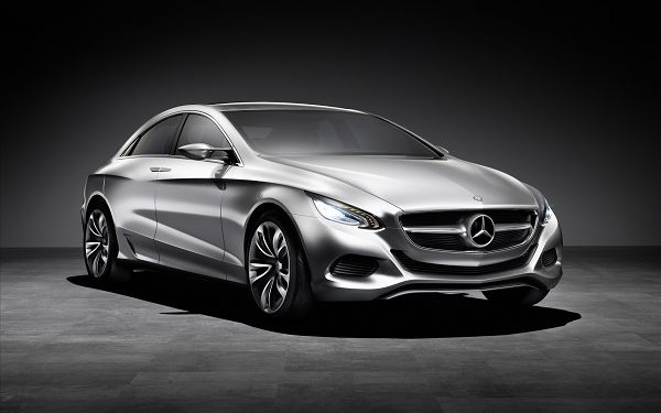 Gray Benz Car in the Stop, Looking Decent and Graceful, Both Speed and Stability Can be Achieved - HD Cars Wallpaper