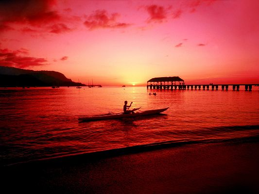 Hanalei Kayaker Hawaii Post in Pixel of 1600x1200, the Red Sky and Clouds, Young Body Going Back Home on Boat, Incredible Scene - HD Natural Scenery Wallpaper