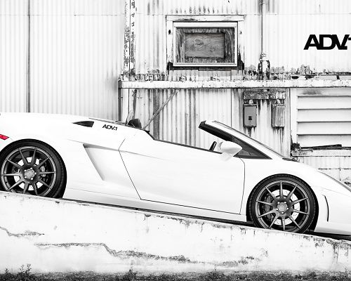 click to free download the wallpaper--Hand-Drawn Post of Cars,  Lamborghini Gallardo in Old Style, on a Slope, It Shall Attract Much Attention