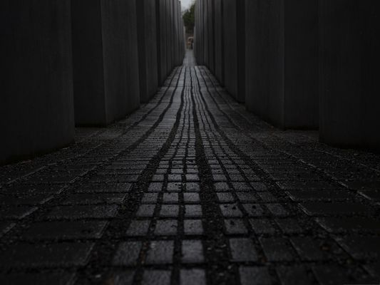 click to free download the wallpaper--High Resolution Wallpapers, Memorial Black Road, Seemingly Endless