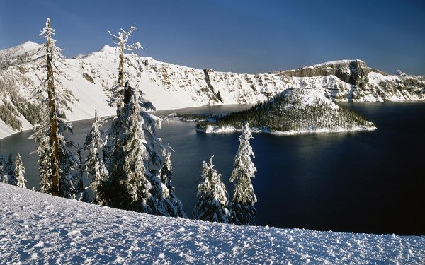 Hills Covered with Snow, Lake Seems to be Dark, a Big Contrast in Vision Will be Gained - HD Natural Scenery Wallpaper