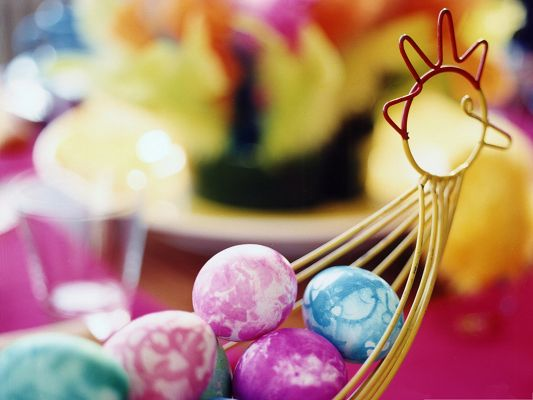 click to free download the wallpaper--Holidays Wallpaper, a Basket Of Easter Eggs